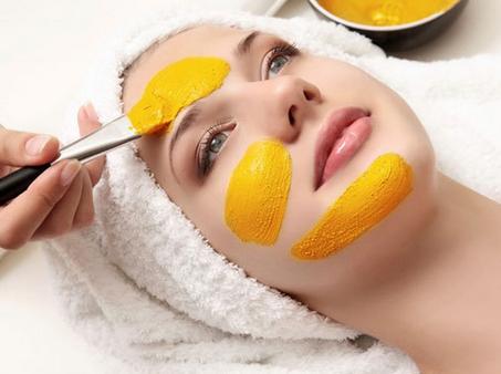 فایده های معجزه اسایی که زردچوبه برای پوست دارد