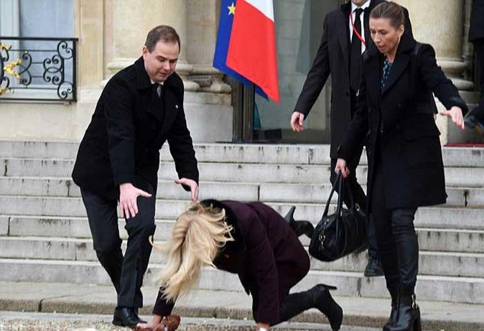 1421080625723 - زمین خوردن خانم نخست وزیر دانمارک سوژه شد