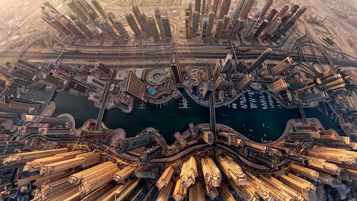 1421965447281 - تصاویر زیبای شهرها از فراز اسمان