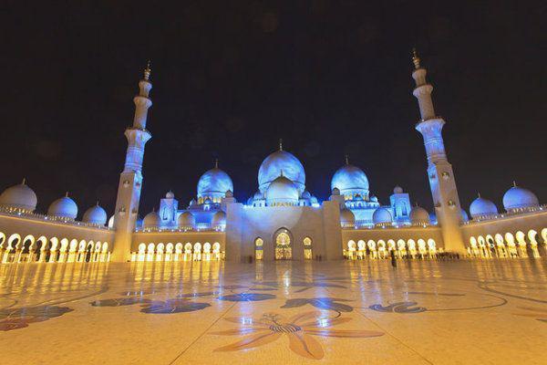 1423336085844 - آیات قرآنی از طلا در مسجدی لوکس