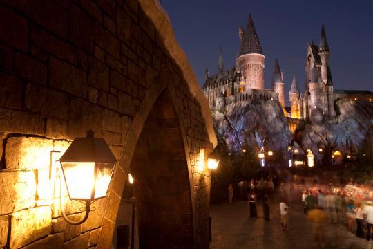 1430474500575 - مکانهای عجیب گردشگری برای علاقه مندان جادوگری