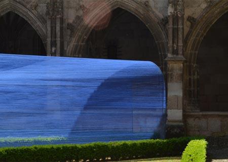 1434494401211 - تونل ساخته شده از نخ در کلیسای سن استپان