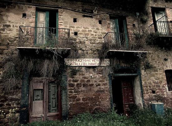 1437232796424 - شهرهای متروکه ایتالیا به نام شهرهای شیاطین