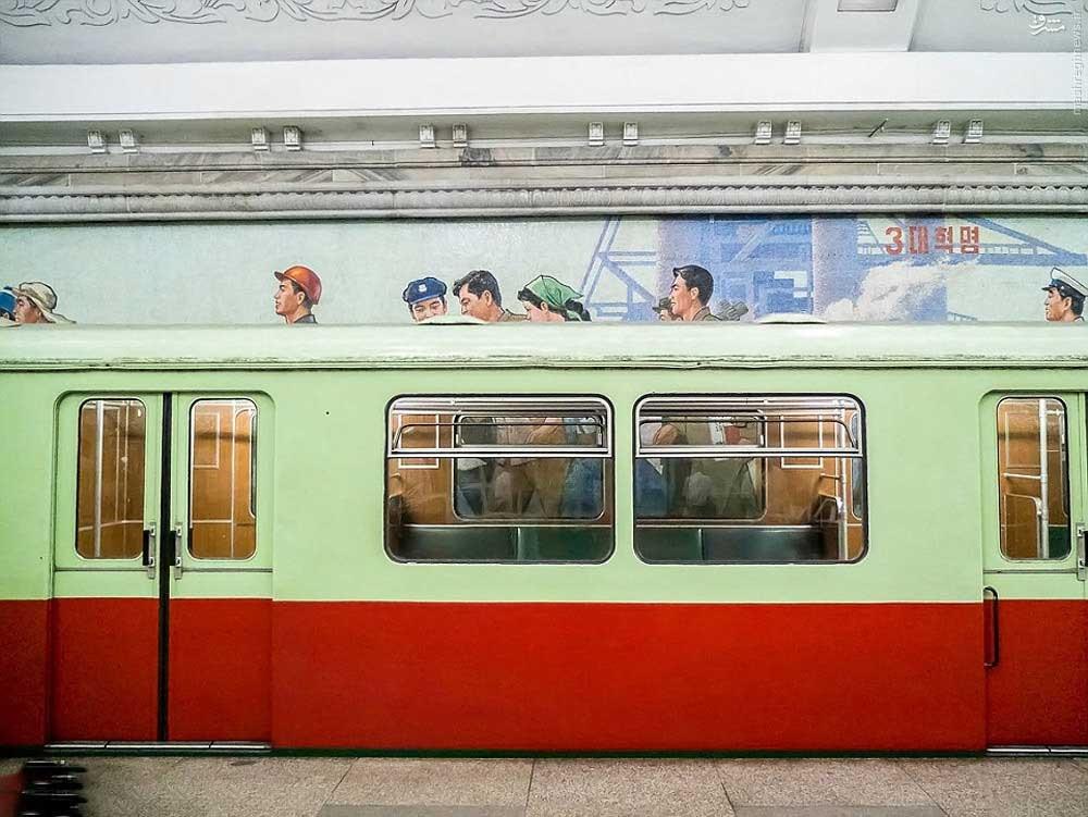 146119473574363 - عکسهای مترو در کره شمالی