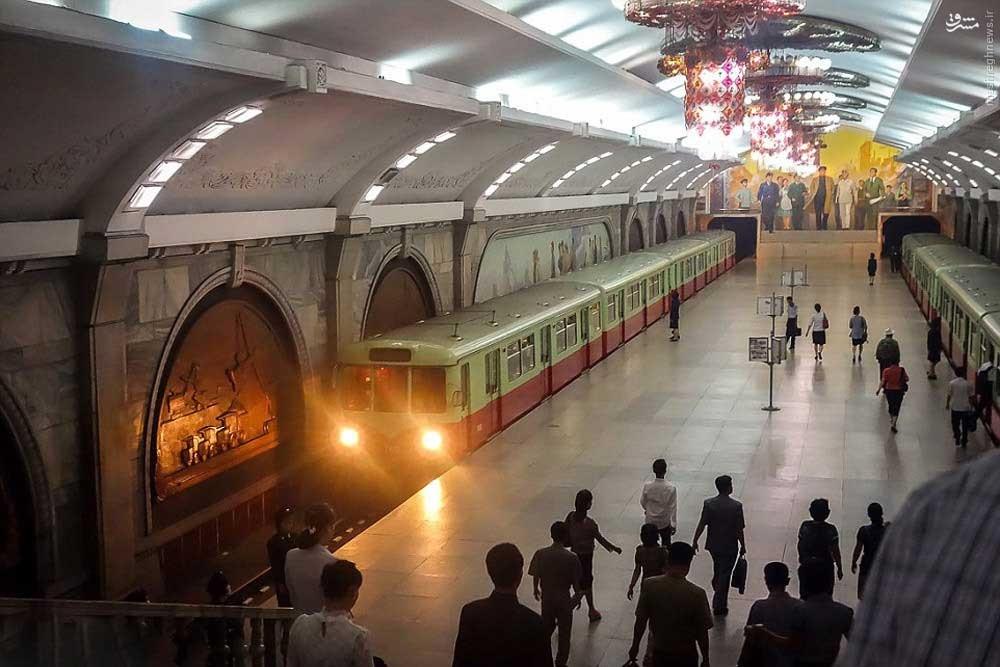 1461195288612 - عکسهای مترو در کره شمالی