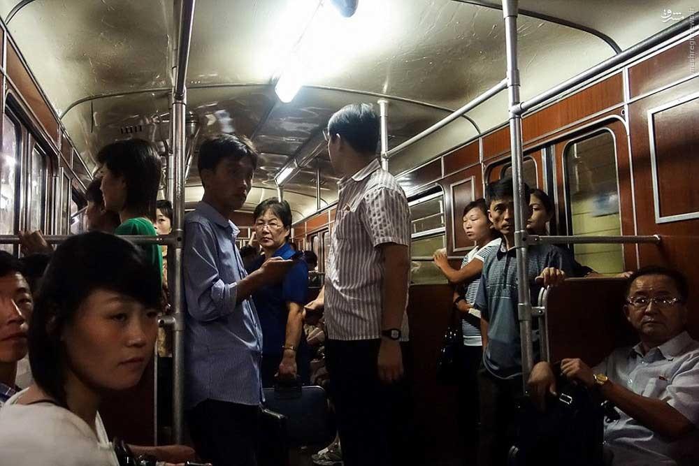 146119528879936 - عکسهای مترو در کره شمالی