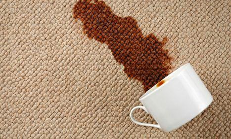 148674685047571 - چطور لکه های روی فرش را پاک کنیم